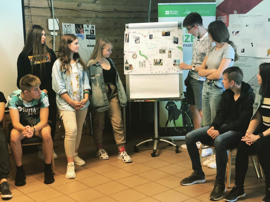 mokymai jaunimui draugiskos bendruomenes